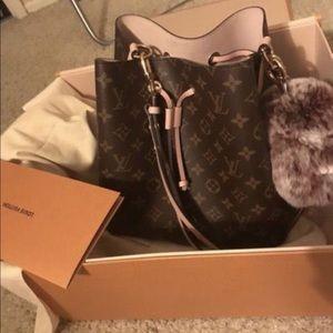 c06786b89321 Louis Vuitton Bags - louis vuitton neo noe bag